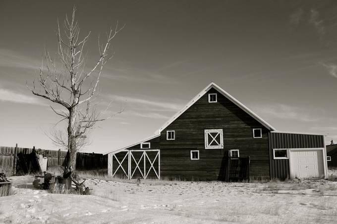 It was -10 degrees F outside when I took this photo of a barn in MT.  So cold, but the air is so crisp and clean.