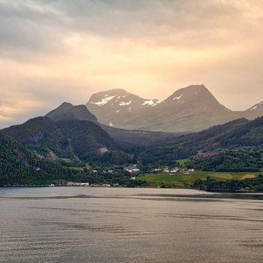 I took this photo when me and my wife went on a boat trip to the Geiranger Fjord, Norway, in July 2018. I took this photo on the 16th of July, at around 05:00 am in the morning.