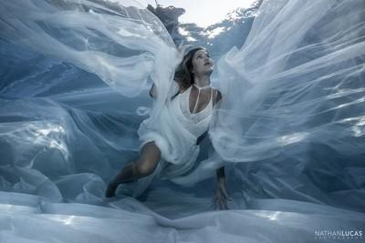 Under water siren