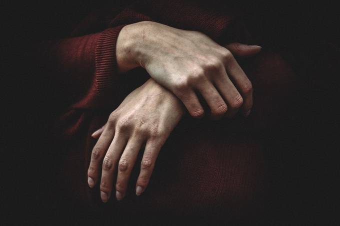 Hands by da-miane - Shooting Hands Photo Contest