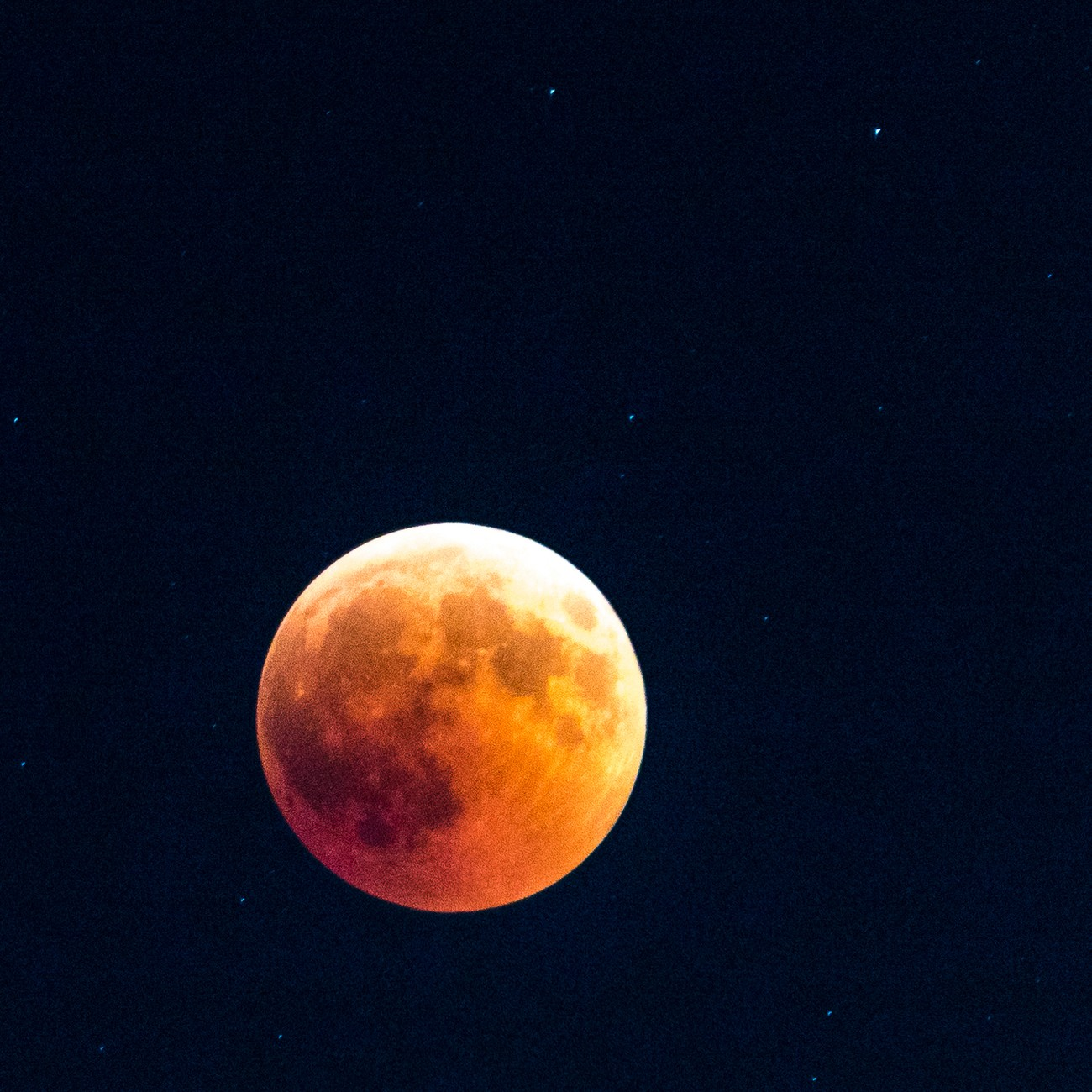 the Moon in Mars' colors - before moon eclipse start