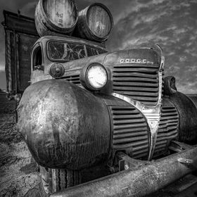 old wine truck used for advertisement at a winery in Central Oregon