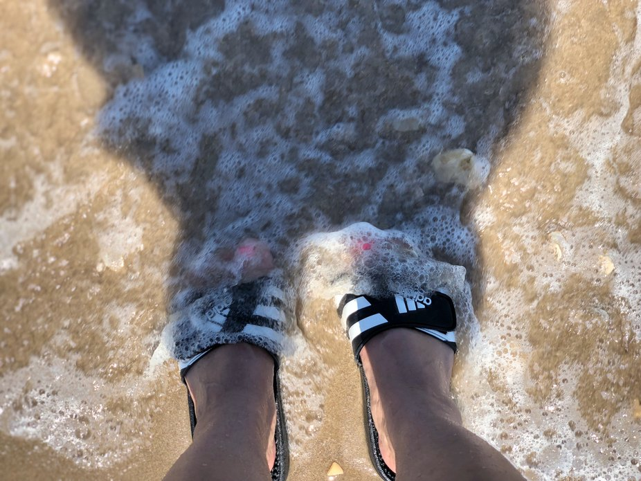 Toes and waves