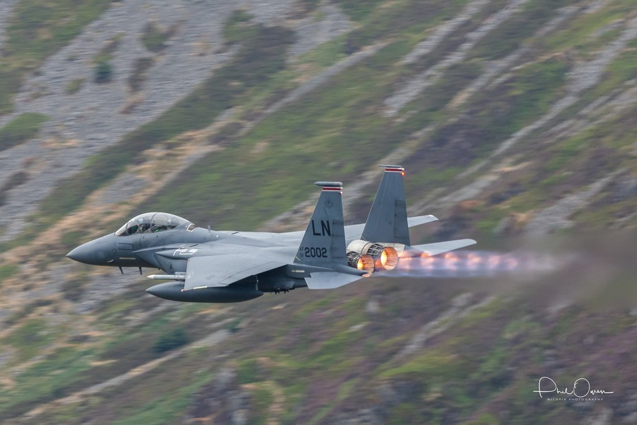 F15 flying low level