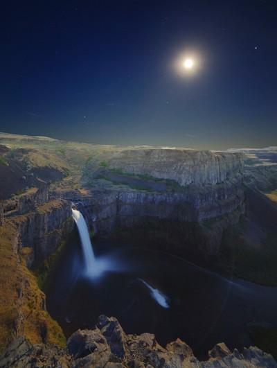 Moon Rise over Palouse Falls