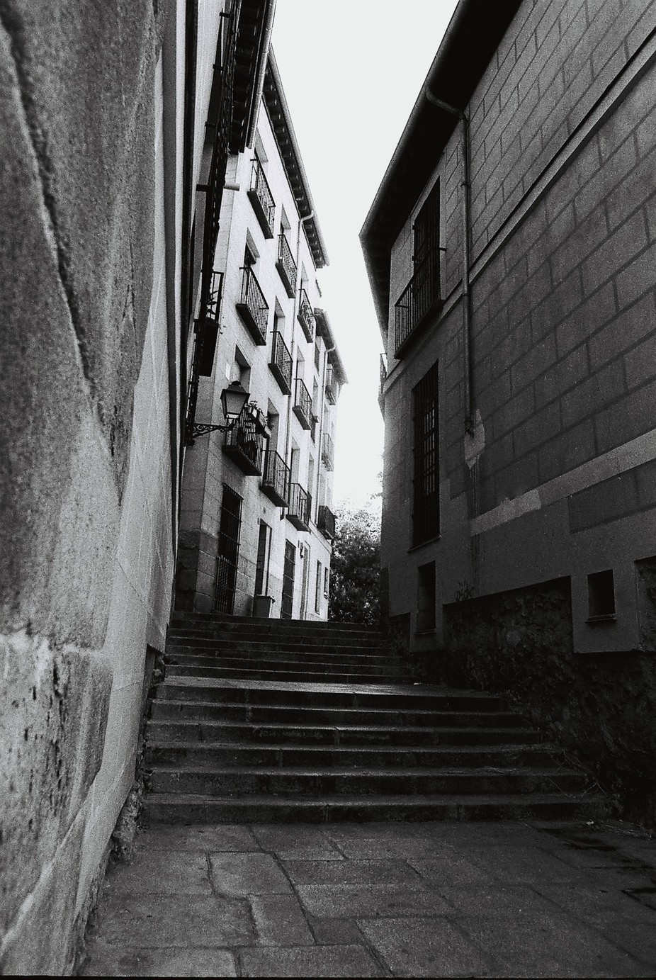 Hiden alleyway near the Royal Palace at Madrid. Taken with my olympus OM2 with a zuiko 24mm f2 le...