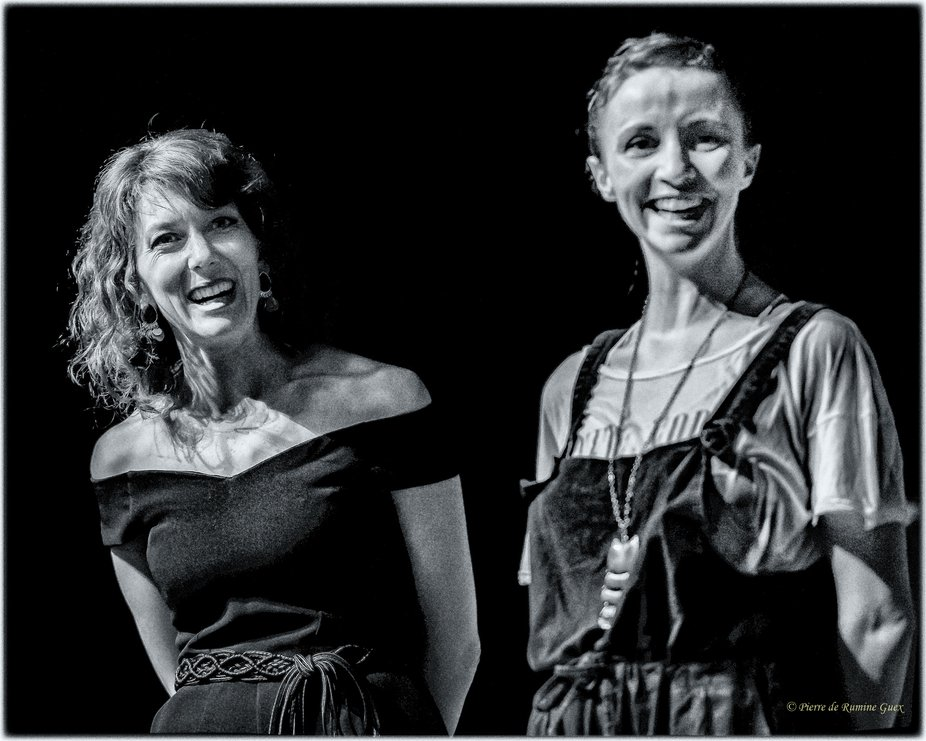 Armonie and Marlène presenting a new musical at the Festival Théâtral & Musical de Fromentine