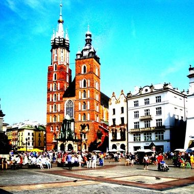 Architecture and life of Krakow - Beautiful city in Poland (4)