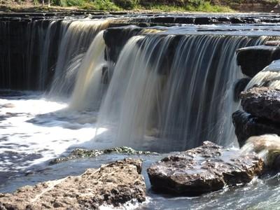 The Big Tosnensky Falls
