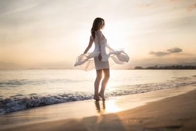 Dancing along the seashore