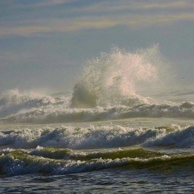 I love watching the waves break. The Oregon coast was everything people said it was. The perfect roadtrip destination. #love #hiking #worlderlust...