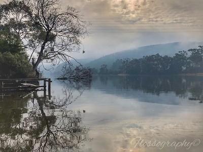 Misty reflections #derwentriver #newnorfolk #misty #reflections #reflection_shotz #Hey_ihadtosnapthat #discovertasmania #tasmaniagram #hobartandbeyond #instatassie #tassiepics #tassie #hobart #southerntasmania  #tassiestyle #tasmaniadotcom #australiagram