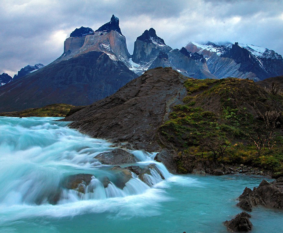 This is a classic shot of the Cuernos