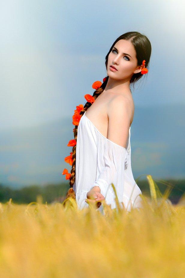 Portrait in nature by Prijaznica - Social Exposure Photo Contest Vol 17