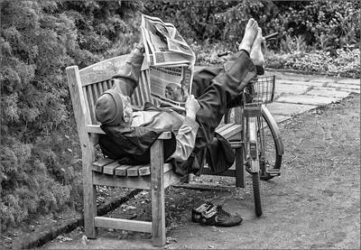 comfortable Read newspaper...