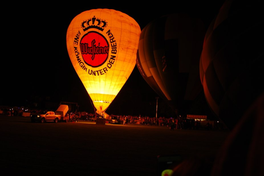 strathaven balloon festival at night 25/08/2018