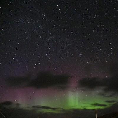 #auroraborealis #northernlights #isleofskyescotland #lovinglife #mybackyard #nightsky #stars tonight at Edinbane #scotlandthebrave#straightfromthecamera#visualsofbritain