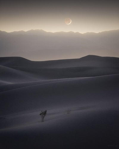 Moonset in Death Valley