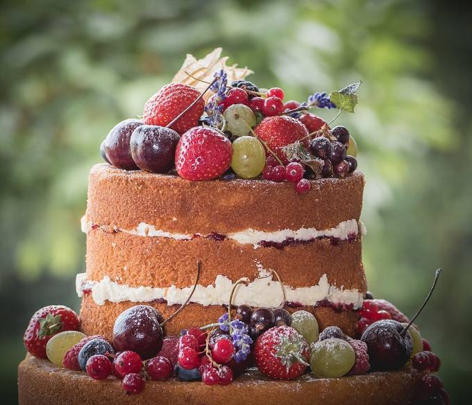 Wedding Cake by tanmorris - Looks Delicious Photo Contest