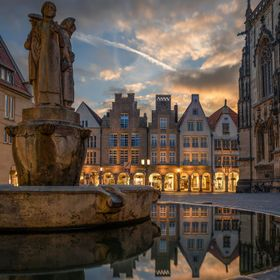 The famous Prinzipalmarkt of Muenster, as seen from the Lamberti fountain. Not the most original composition I guess, but still a beautiful one. ...
