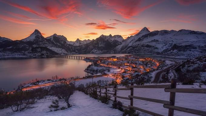 Riaño Sunset by hugovalleperez - Photogenic Villages Photo Contest