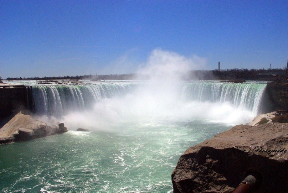 The Canadian side of Niagara Falls, absolutely beautiful!