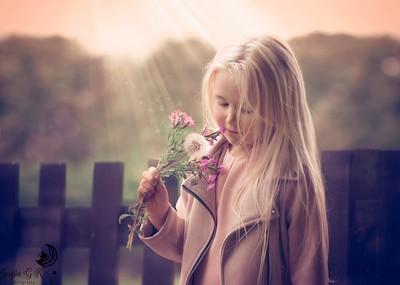The dandelion girl <3