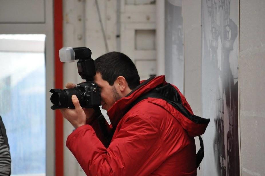 Wenn der Fotograf den Fotografen fotografiert, fotografiert der Fotograf den Fotografen bei der Arbeit. Lol