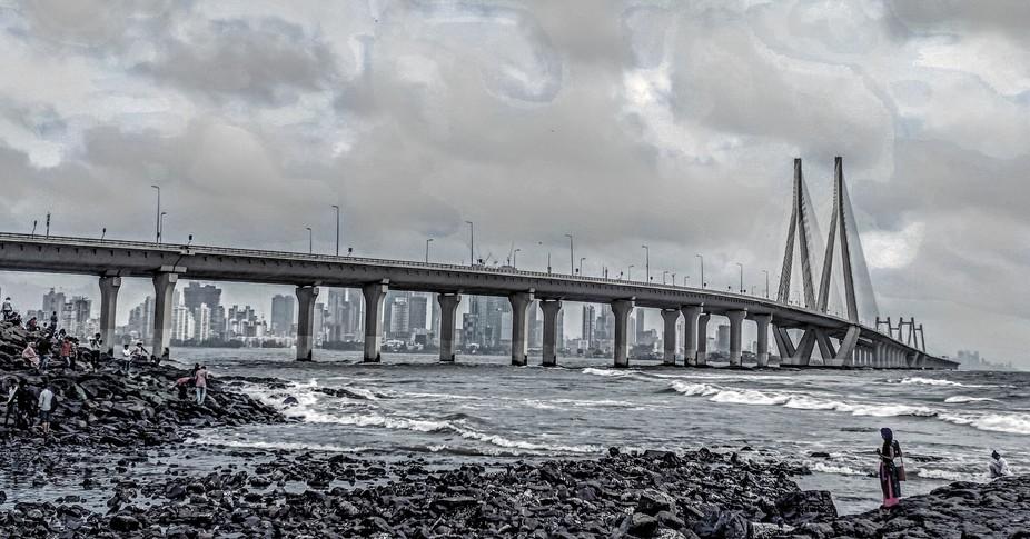Mumbai:the linking road