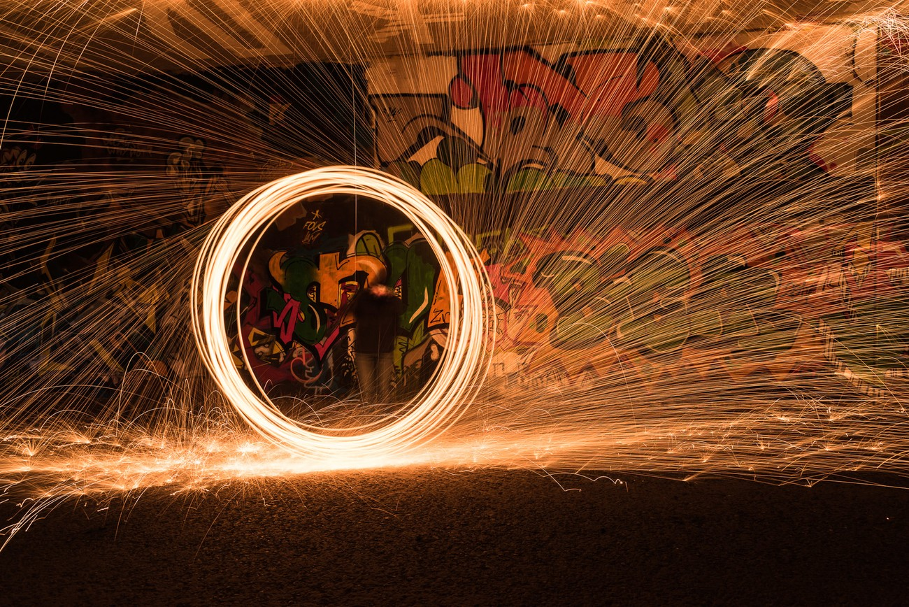 Light painting with steel wool