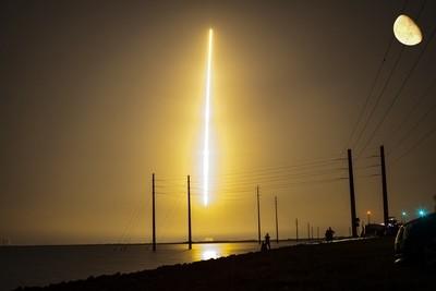 Falcon 9 Moon