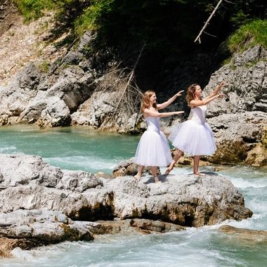 Ballet on the torrent