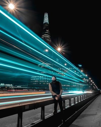 Catching the lights on the London Bridge