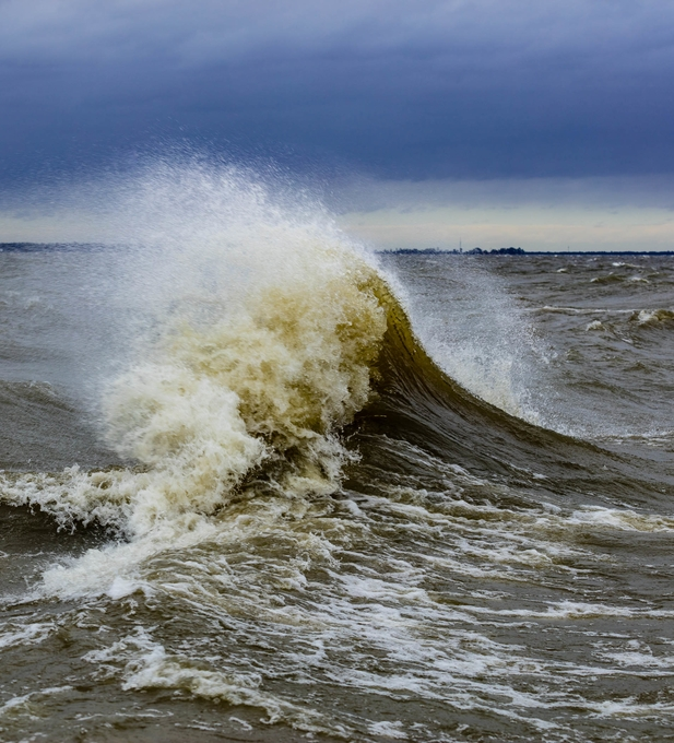 waves on Lake Moultrie in Moncks Corner, SC on 09-14-18 the day Hurricane Florence came a shore in North Carolina.