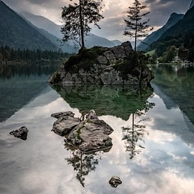 Loved spending the day exploring Hintersee & after a brief spell of afternoon rain, the sun started to show.. I was really hoping for am epic...