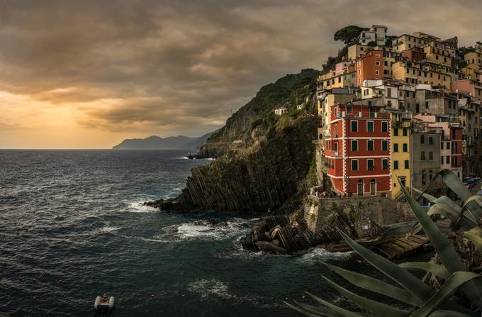 Riomaggiore  - Cinque Terre Italy by riamana - Photogenic Villages Photo Contest