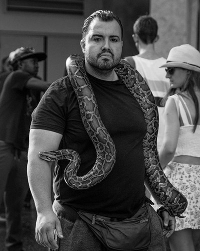 Holle-wood. Guy came up to me and asked if I wanted him to take a picture of me holding the snake, . with my camera.  way i look at it, i'd get the snake and hed take off with the equipment. lol - I said.. NA..????✌️ • • • #hollywood #roadtrip #california