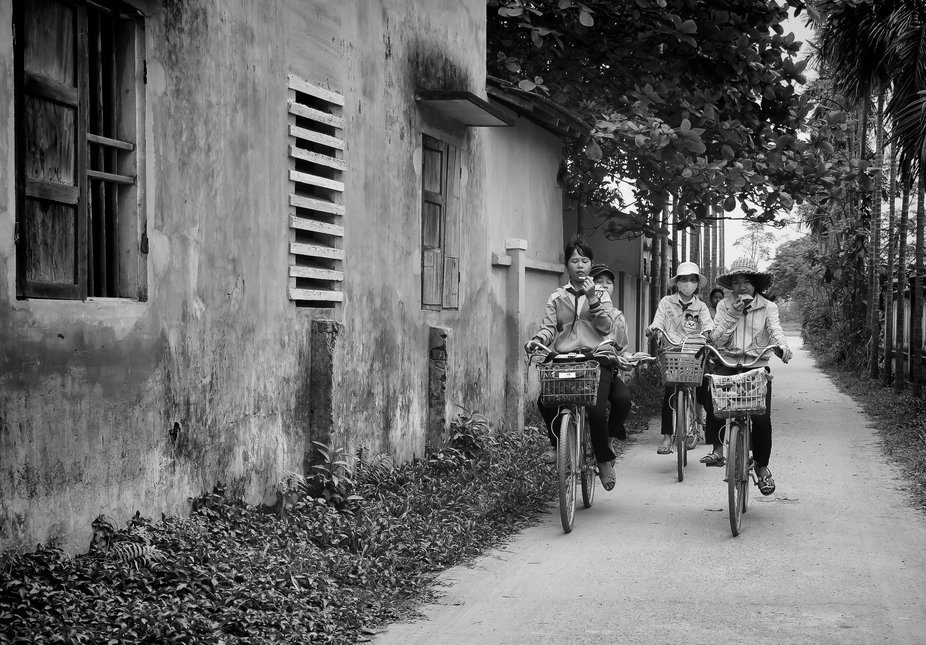 Vietnamese girls on bikes