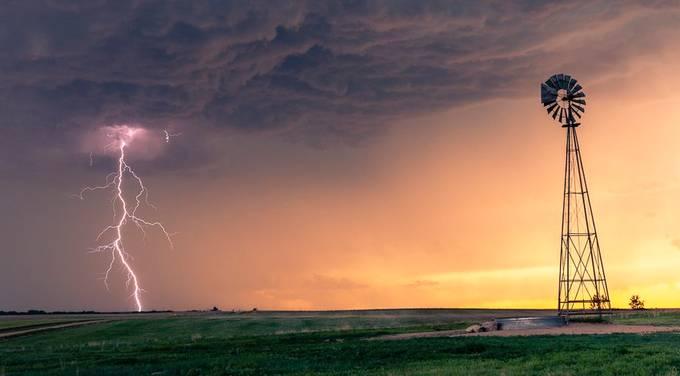 Kansas Lightning Sunset by adolwyn - Social Exposure Photo Contest Vol 17