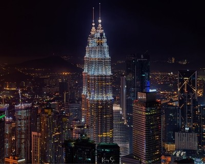 Twin skyscrapers in Kuala Lumpur, Malaysia.