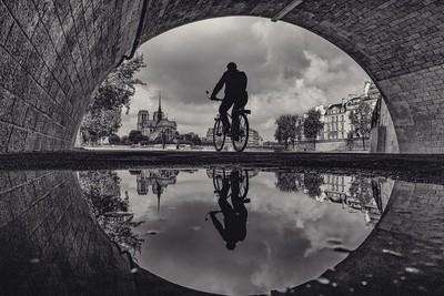 The cyclist in Paris