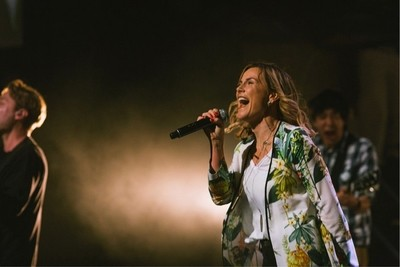 Singer Michelle Lutz