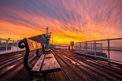 A seat with a view. ????Victoria Pier. ????Hull. ????Nikon D7200.