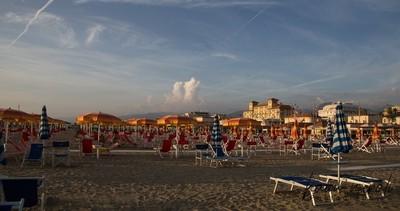 Catarina beach at Viareggio-04
