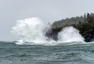 Gale force winds at Split Rock