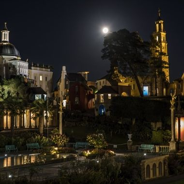 A full-moon at Portmeirion