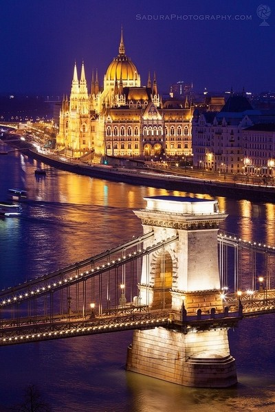 Chain bridge and Hungary Parliament in Budapest