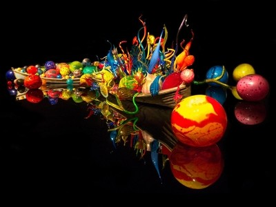 Chihuly's_Infinite_Imagination_Afloat