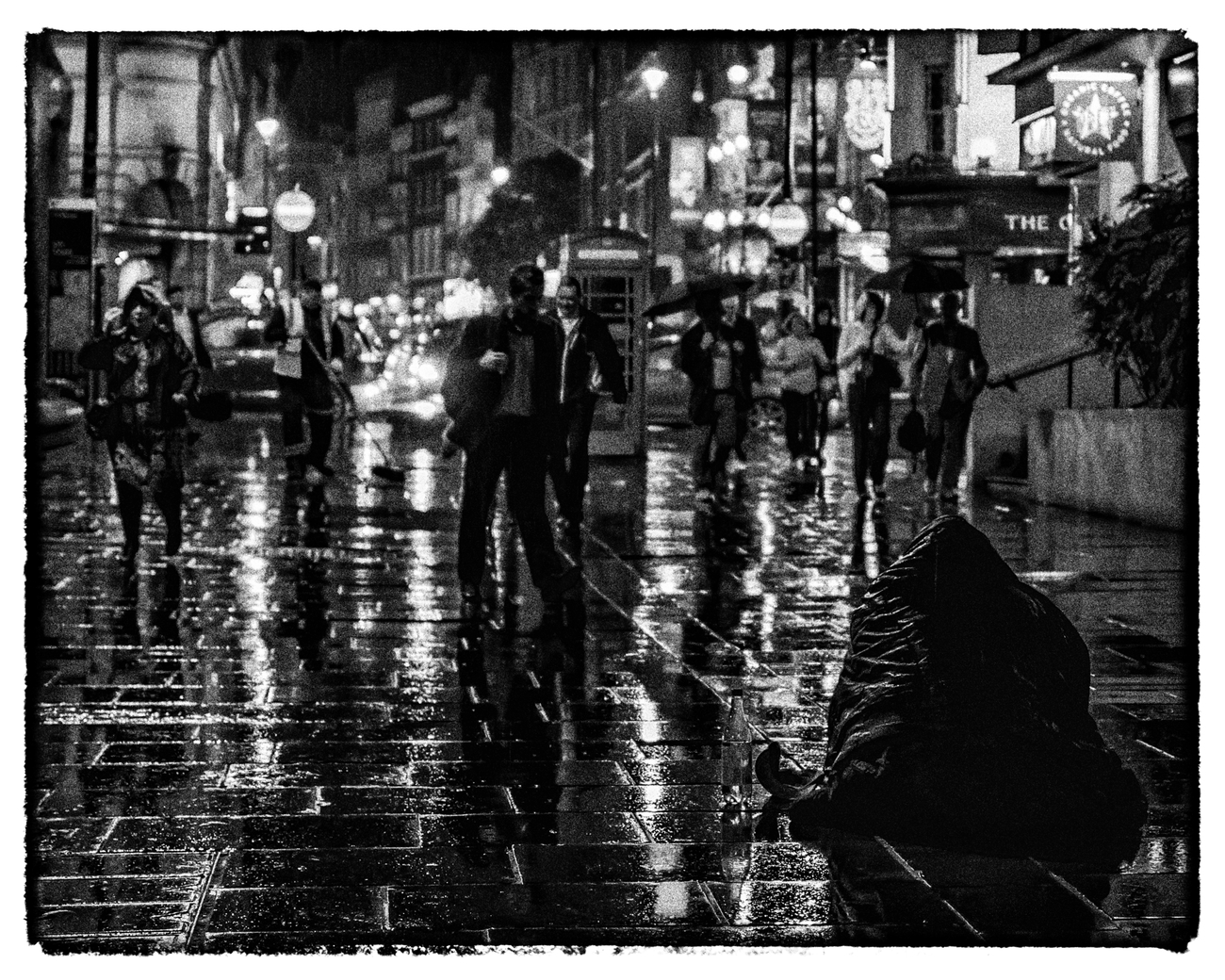 London at night - Rushing home