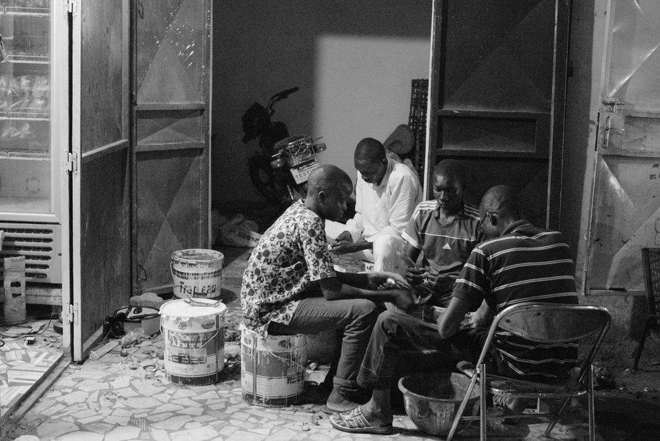 : Around 23'00 h. Niamey (Niger). Wating for somethink to dinner